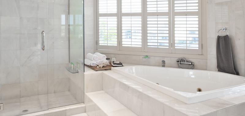 Les différentes raisons de changer la baignoire par une douche